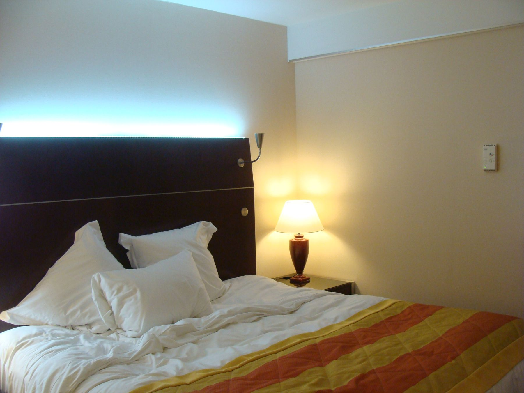 LED Lichtschlauch, indirekte Beleuchtung, LED Band 230 Volt ...