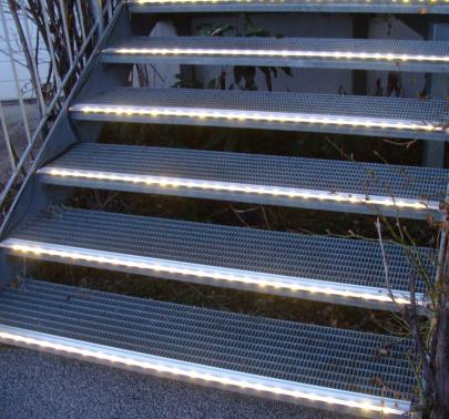 Stufenlicht Led beleuchtete stufen led treppenbeleuchtung treppen beleuchtet
