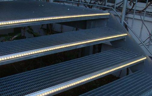 Beleuchtete Stufen Led Treppenbeleuchtung Treppen Beleuchtet