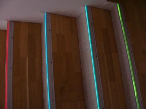Beleuchtete Stufen Led Treppenbeleuchtung Treppen Beleuchtet Stufen Licht Led Gelander